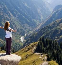 yoga_in_mountains_full_1369360547