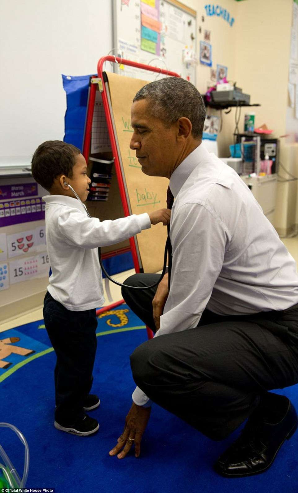 3A3F915400000578-3926100-March_4_2014_The_President_was_visiting_a_classroom_at_Powell_El-a-12_1478871703570 (1)