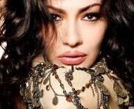 adelina-ismajli_00437939