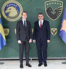 1-ministri-i-fsk-dhe-ambasadori-i-suedise-ne-kosove