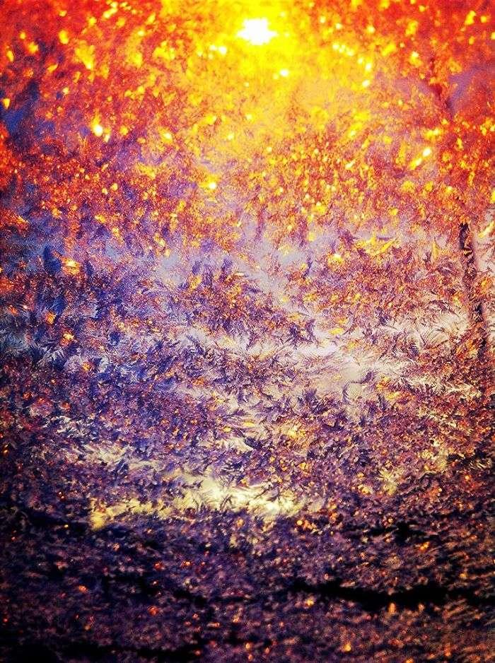 frozen-car-art-winter-frost-12-588090519dbc2__700