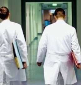 mjek-euml-t-po-ikin-nga-kosova-hd