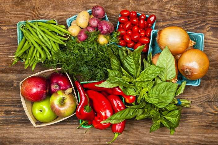 photodune-4123410-market-fruits-and-vegetables-s-704x469