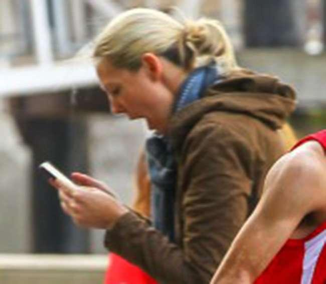 Oops    Maratonisti zbulon më shumë se që duhet