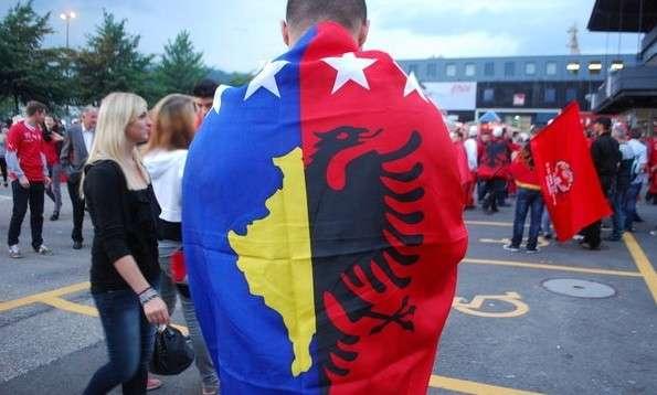 veseli-flet-per-flamujt-ate-kombetar-dhe-ate-te-kosoves