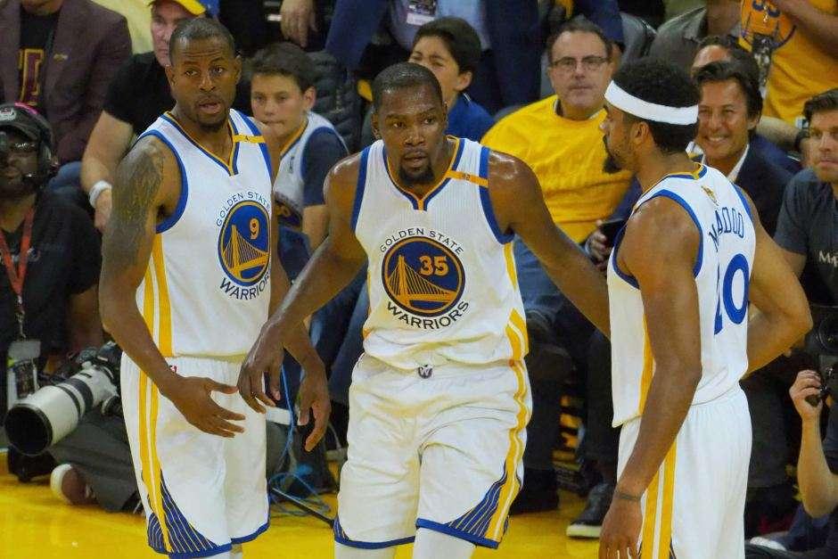 Finalja në NBA: Warriors mposhtin Cavaliers në ndeshjen e parë (VIDEO) – Klan Kosova