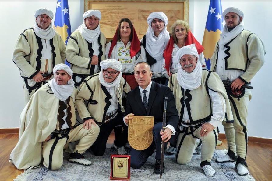 haradinaj-kryeministri-i-pare-qe-pret-ne-takim-ansamblin-rugova