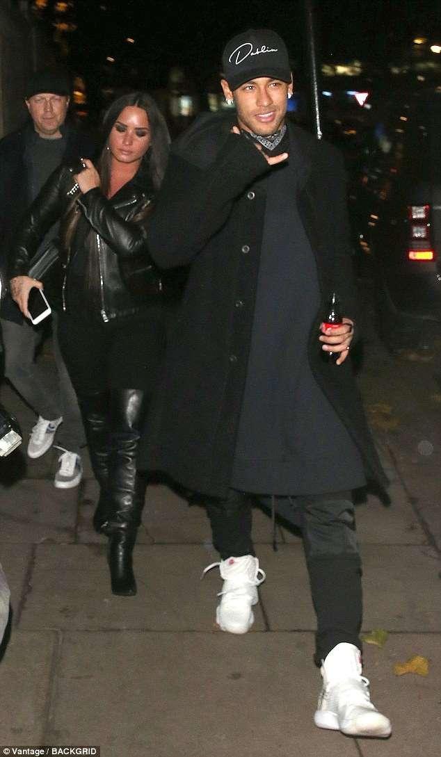 Demi lovato dating neymar