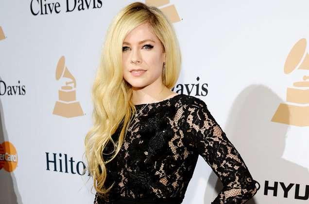 Avril Lavigne publikon këngën pas pesë vjetësh