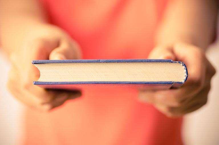 Lexuesit organizojnë mini panair për shkëmbimin e librave