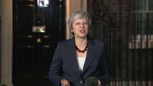 Kryeministrja britanike merr aprovimin e kabinetit për marrëveshjen e Brexit