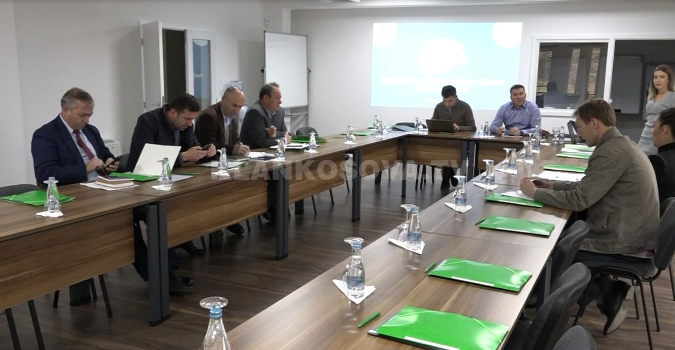 Ministria e Mjedisit  komunat e pastra fitojnë grante
