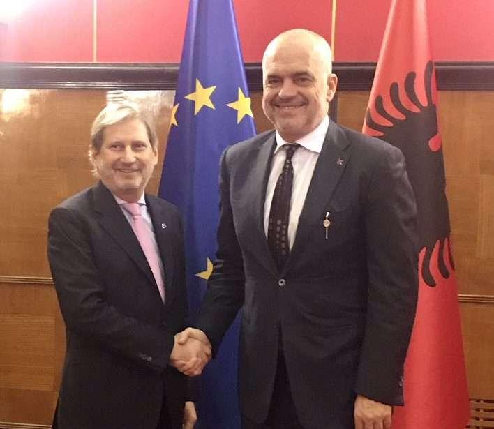 Johannes Hahn takon Edi Ramën  viti 2019 të vendimtar për Shqipërinë
