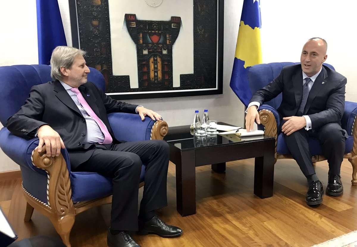 Johannes Hahn deklarohet për takimin që pati me Ramush Haradinajn