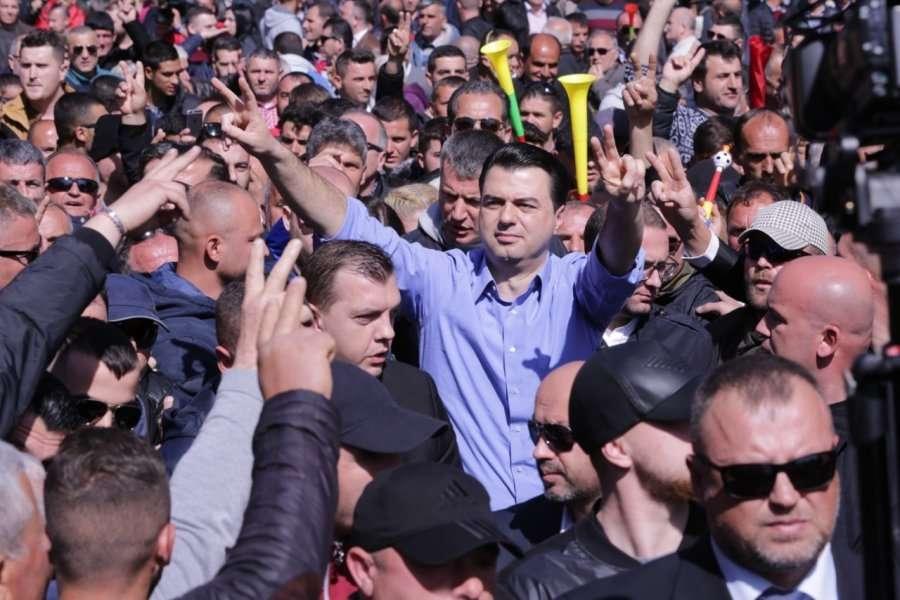 Opozita në Shqipëri bëhet gati për tjetër protestë