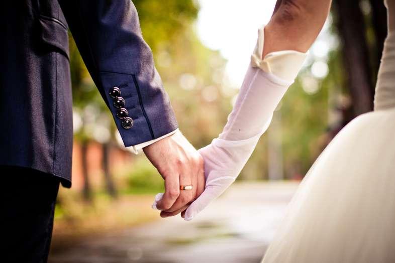 Rüyada Evli Kızının Yeni Gelin Gibi Olduğunu Birden Görmek