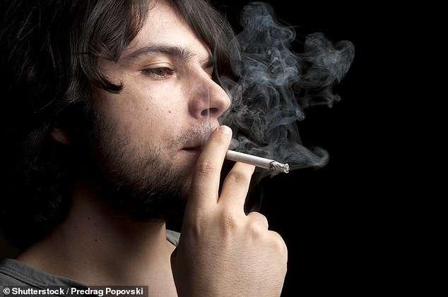Djemtë kanë më pak spermë nëse baballarët e tyre kanë tymosur duhan