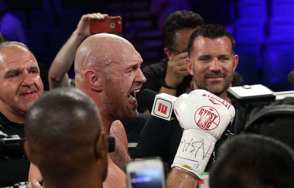 Fury flet pas fitores ndaj boksierit gjerman në Las Vegas