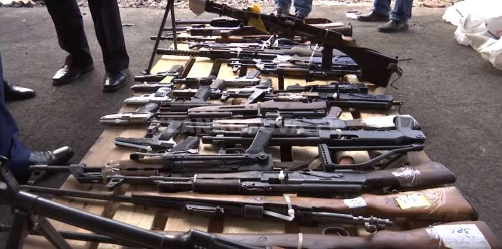 Mërgimtarët ftohen t i legalizojnë armët