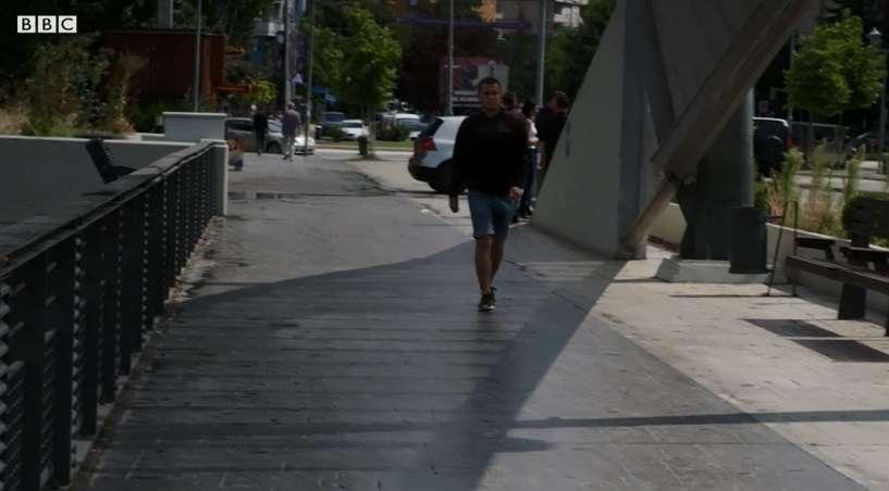 BBC  Shqiptarët dhe serbët mbeten të ndarë pas luftës