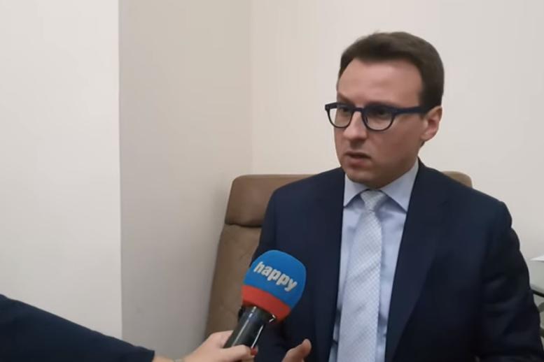 """Serbia i quan """"tradhtarë"""" kundërshtarët serbë të Listës Serbe (EMRAT)"""