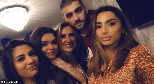 Zayn Malik bashkohet me familjen
