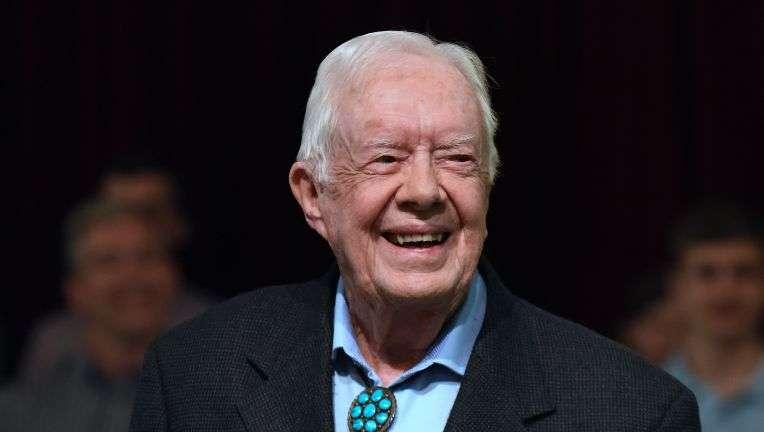 Ish Presidenti Jimmy Carter  shtrihet në spital
